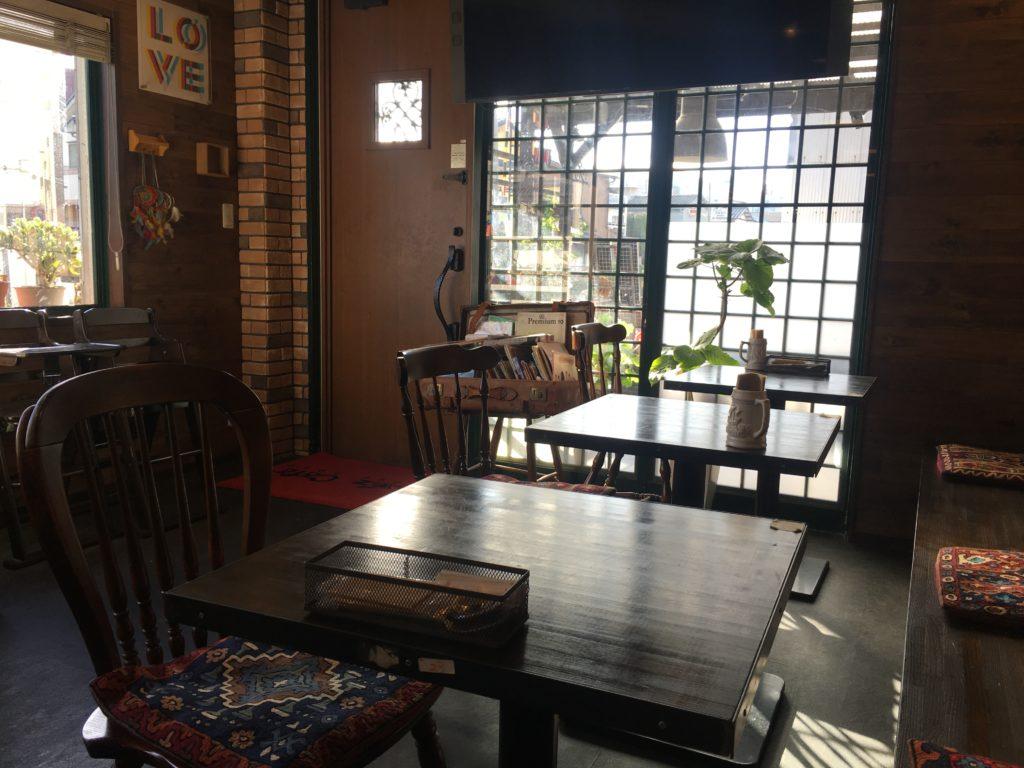 スーズカフェ店内1
