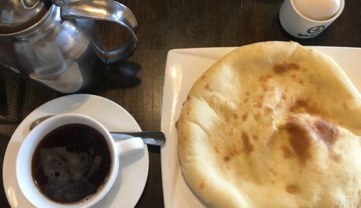 昭和町のネパールカレー店「スーズカフェ」の『モーニングセット』 本格ナンがふわふわ
